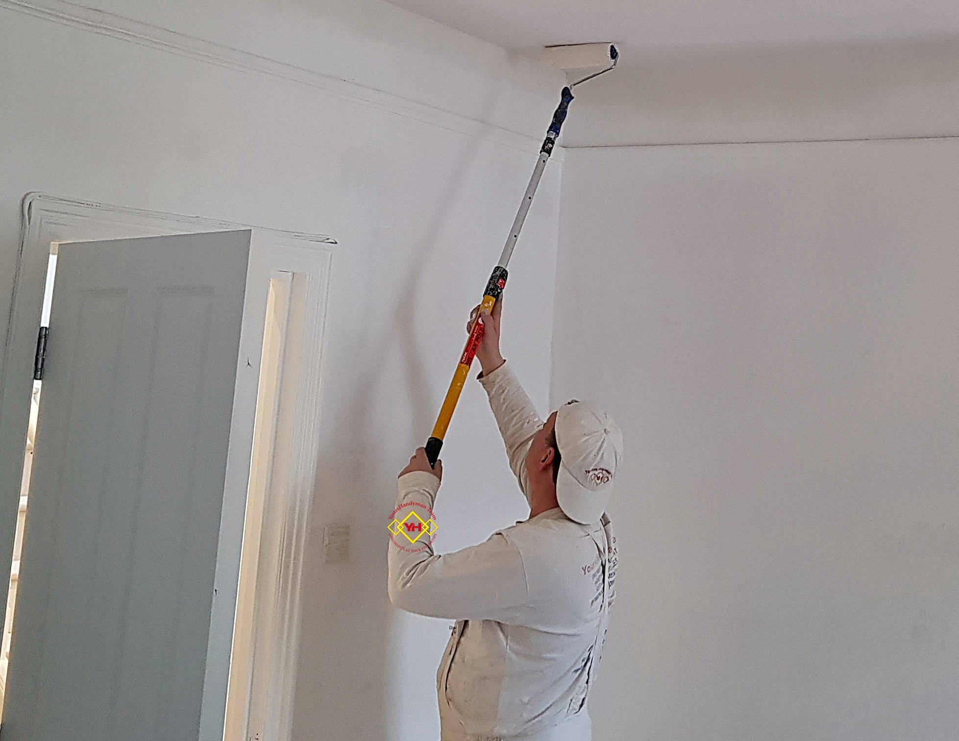 Painters in Chiswick - YoursHandyMan Team